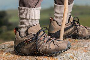 feet wearing hiking shoes